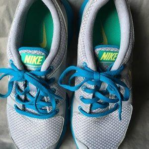 Nike Women's Shoe. Size 6
